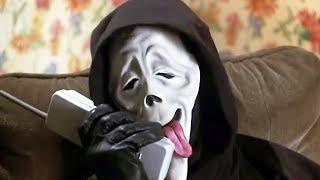 Escenas más graciosas de Scary Movie (2000-2013) + todas sus mu3rtes