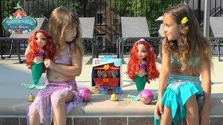 Princess Stories: Little Mermaid Ariel and Ariela find Pirate Treasure Chest while Playing in Pool